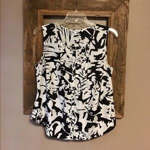 Women's croft&barrow Sleeveless Blouse Size LG